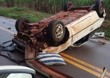 Três ficam feridos em acidente entre Paraíso e São Carlos do Ivaí
