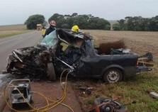 Mulher de 52 anos morre em acidente com três veículos na PR-585