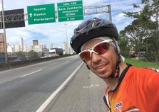 Ciclista de Cidade Gaúcha pedala por seis dias e chega a Florianópolis