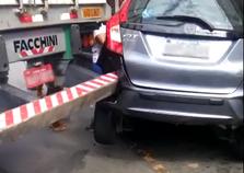 Acidente entre carreta e carro é registrado no bairro Retiro, em Volta Redonda