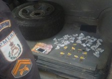 Homem é flagrado com cocaína e maconha em Volta Redonda
