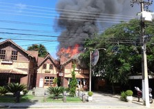 Incêndio atinge estabelecimento em Penedo, Itatiaia