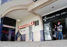 Acidente de moto deixa gestante ferida na BR-393, em Volta Redonda, RJ