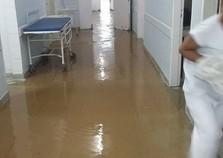 Chuva forte atinge Sul do Rio e causa alagamentos em ruas, casas e hospital