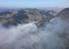 Controlado incêndio no Parque Estadual da Serra da Concórdia, em Valença, RJ