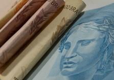 Meta dos brasileiros para 2018 é juntar dinheiro