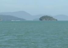 Retomadas buscas com aeronaves por desaparecidos em naufrágio em Angra, RJ