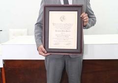 Entrega do título de cidadão honorário para Jeremias do Frigoastra