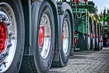 Começa a valer em SP a isenção de pedágio para caminhões com eixo suspenso