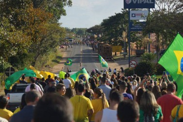 Fim de semana é marcado por manifestações em apoio aos caminhoneiros