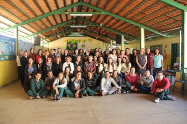 Funcionários da Educação participam de oficina em São Roque de Minas