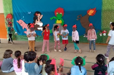 Folclore resgata tradições e muita cultura na Escola Municipal dos Gonçalves