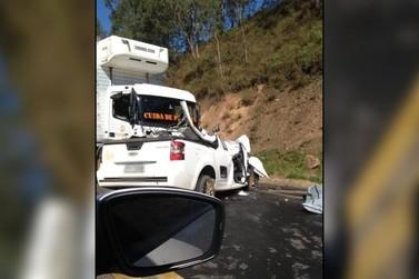 Motorista morre em acidente na SP-346 em Santo Antônio do Jardim (SP)
