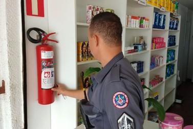 Bombeiros realizam vistorias em farmácias e drogarias de Minas Gerais