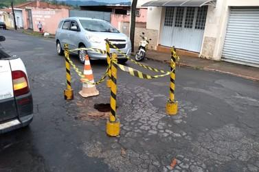 Chuva forte causa danos em avenida de Andradas