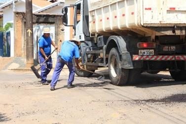 Operação Tapa Buraco é realizada em vias de Andradas