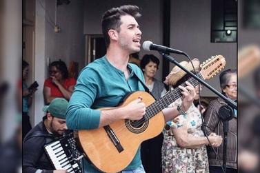 João Guilherme faz show no Lar dos Velhinhos  São Vicente de Paulo