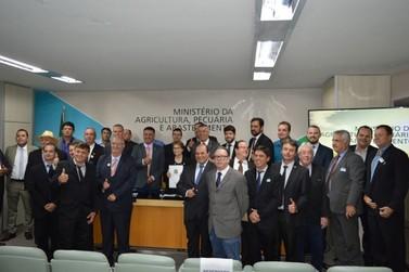 Prefeito de Andradas discute ações para o setor do café em Brasília