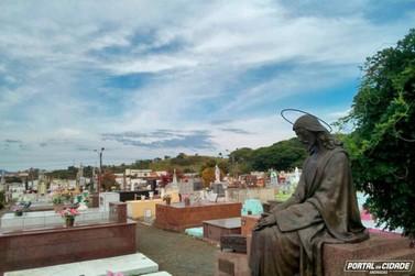 Prefeitura convoca proprietários de jazigos para retirar objetos de cemitério