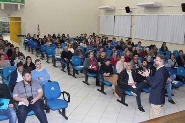 Sicredi UniEstados realiza ações na 6ª Semana Nacional de Educação Financeira