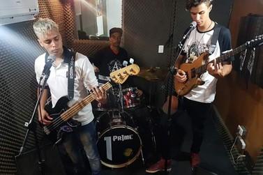 Banda Semântica se apresenta nesta quinta-feira no Encarte Musical