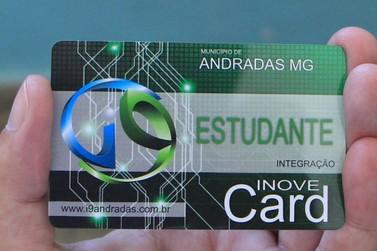 Estudantes andradenses recebem cartões de vale transporte