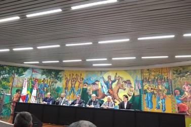 Prefeito de Andradas participa de seminário sobre controle interno