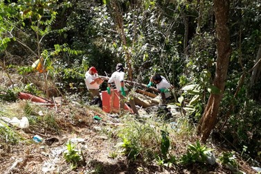 Mutirão de limpeza no Jardim Santa Lúcia retira lixo e entulhos