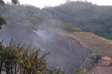 Ação conjunta acaba com incêndio na Serra do Caracol em Andradas
