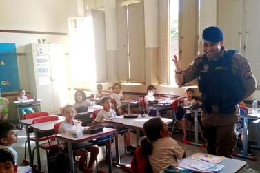 Polícia Militar realiza palestra em escola municipal de Andradas