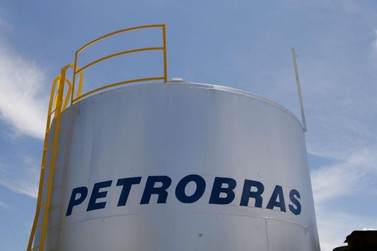 Petrobras reajusta preço da gasolina nas refinarias