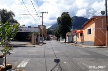 Começa a valer nova regra de estacionamento na Rua João Teodoro de Oliveira