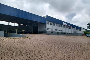 Empresa de recauchutagem é furtada em Andradas