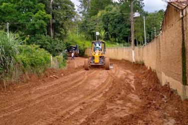Estradas da zona rural de Andradas passam por manutenção