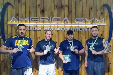 America Gym se destaca em campeonato de supino