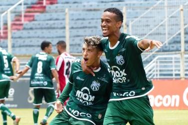 Caldense bate o Villa Nova e encosta nos líderes do Mineiro