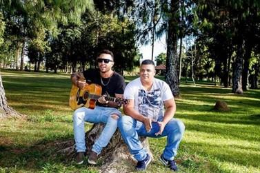 Dupla de Poços de Caldas aposta em músicas autorais para conquistar espaço
