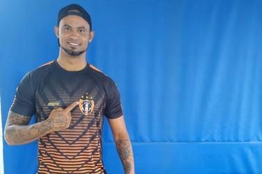 Goleiro Bruno nega acerto com time amador horas depois de ser anunciado