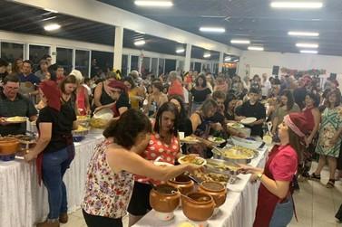 População comparece à Festa do Macarrão Beneficente da Apae de Andradas