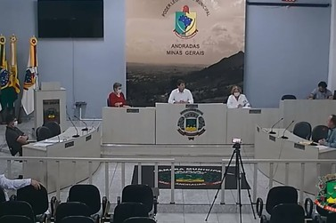 Câmara de Andradas aprova concessão de cestas básicas