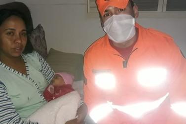 Bombeiros ajudam a salvar bebê via telefone em Poços de Caldas