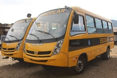 Frota escolar de Andradas ganha reforço de dois novos ônibus