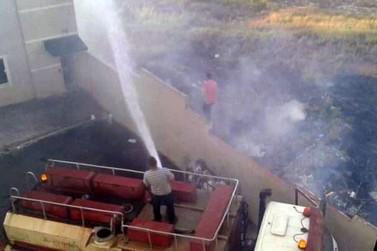 Incêndio atinge área de terreno no Jardim Murtele, em Andradas