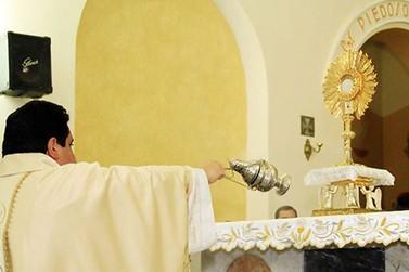 Santuário de Santa Rita de Caldas realiza celebração de Corpus Christi