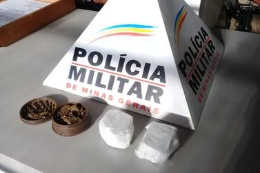 PM apreende drogas e prende traficantes em Ibitiúra de Minas
