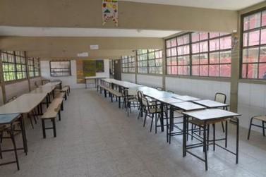 Auxílio alimentar a famílias de estudantes é estendido pela governo do estado