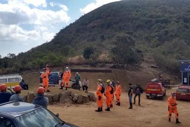 Corpo de Bombeiros segue com combate a incêndio em Andradas