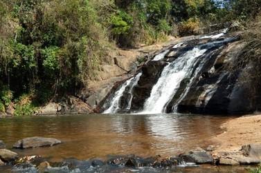 Proprietários proíbem acesso a cachoeira entre Jacutinga e Albertina
