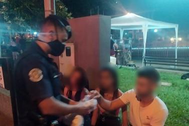 Guarda Municipal distribui máscaras para a população em Andradas
