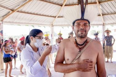 Mais uma tribo indígena de Caldas recebe doses da vacina contra covid-19